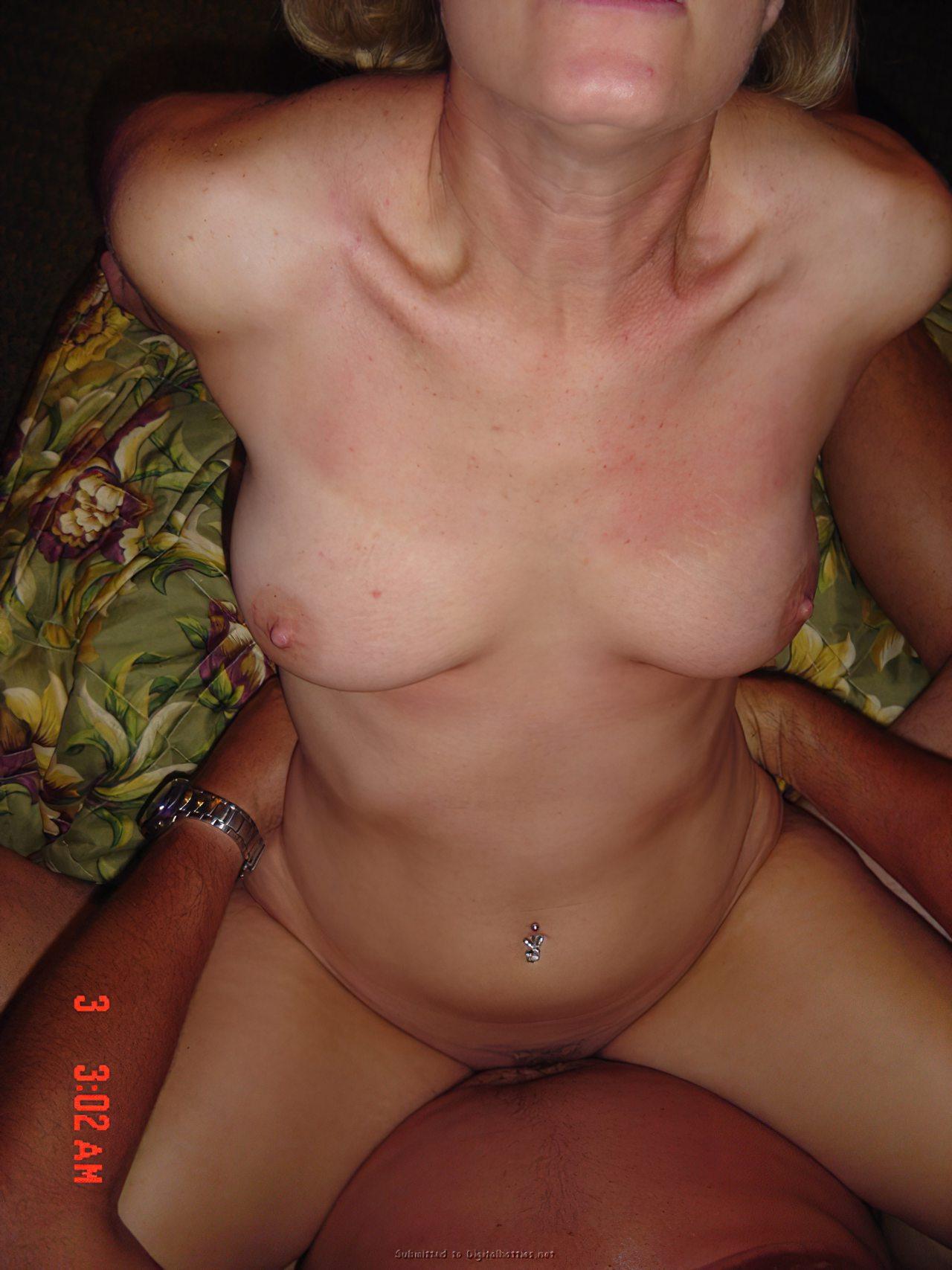 sexo mulheres maduras sexo entre amigos