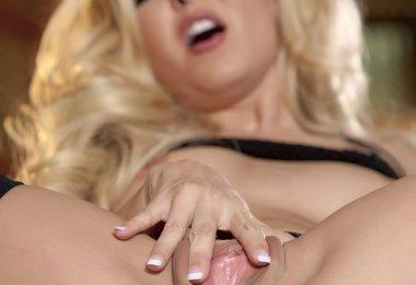 Modelo Erótica Despida (36)