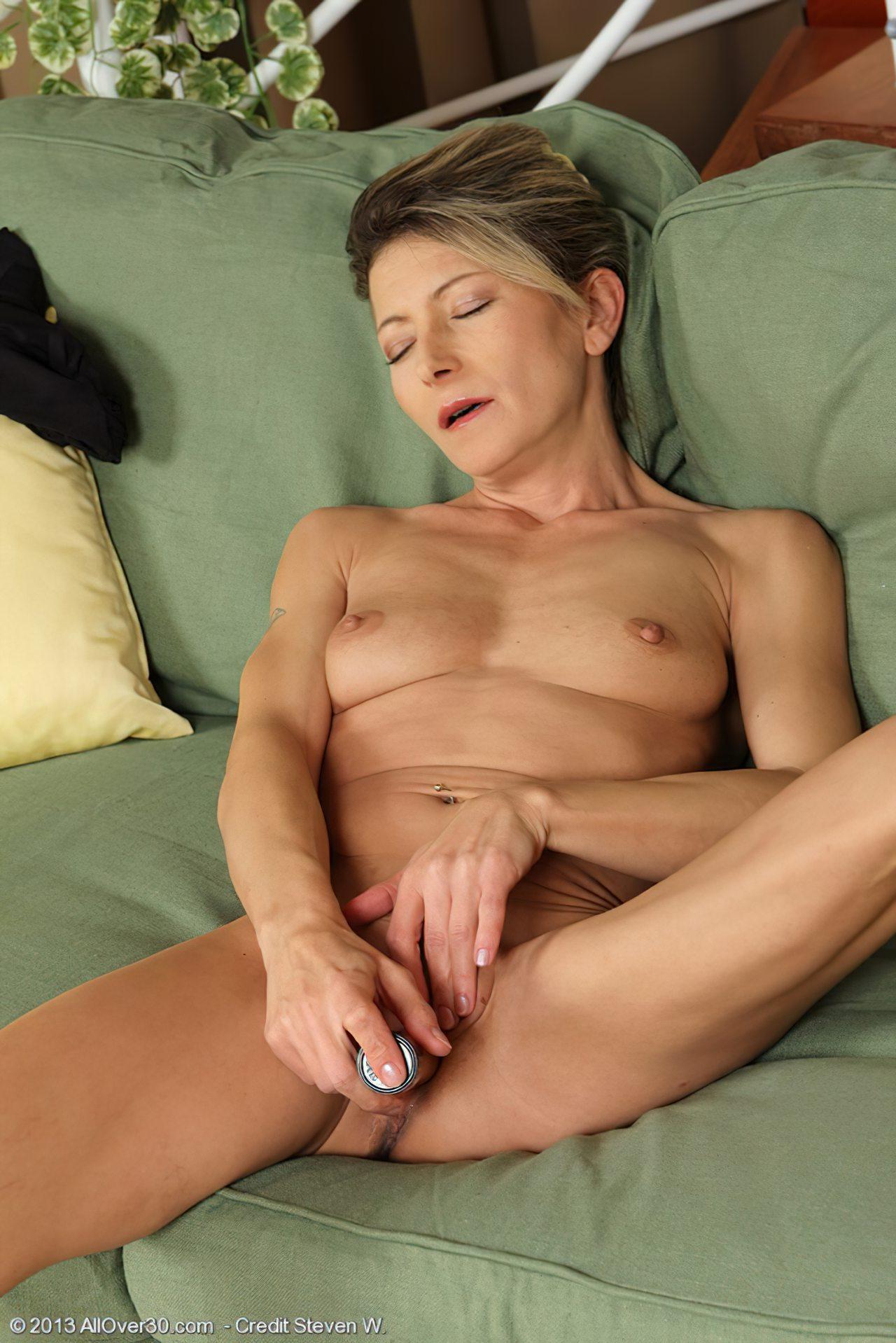 Mulher Madura Masturbação (3)