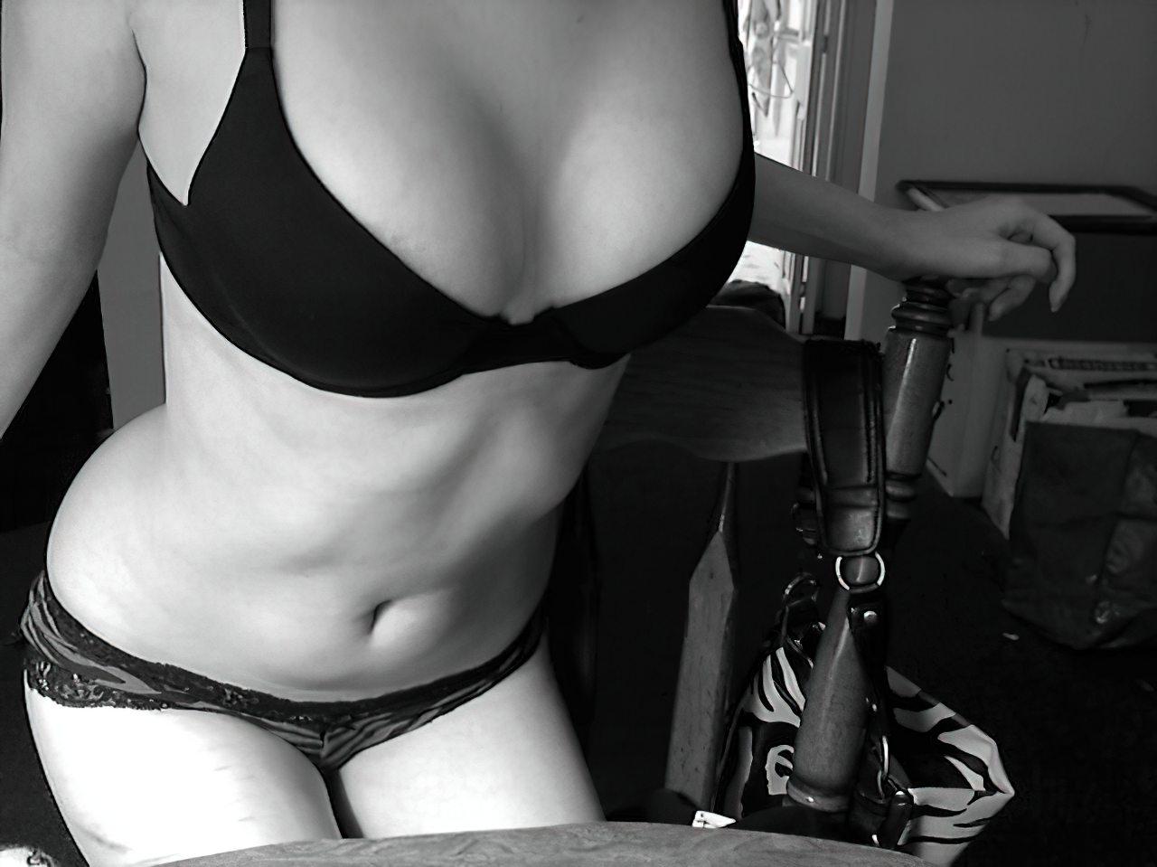Novinha Pelada Webcam (29)