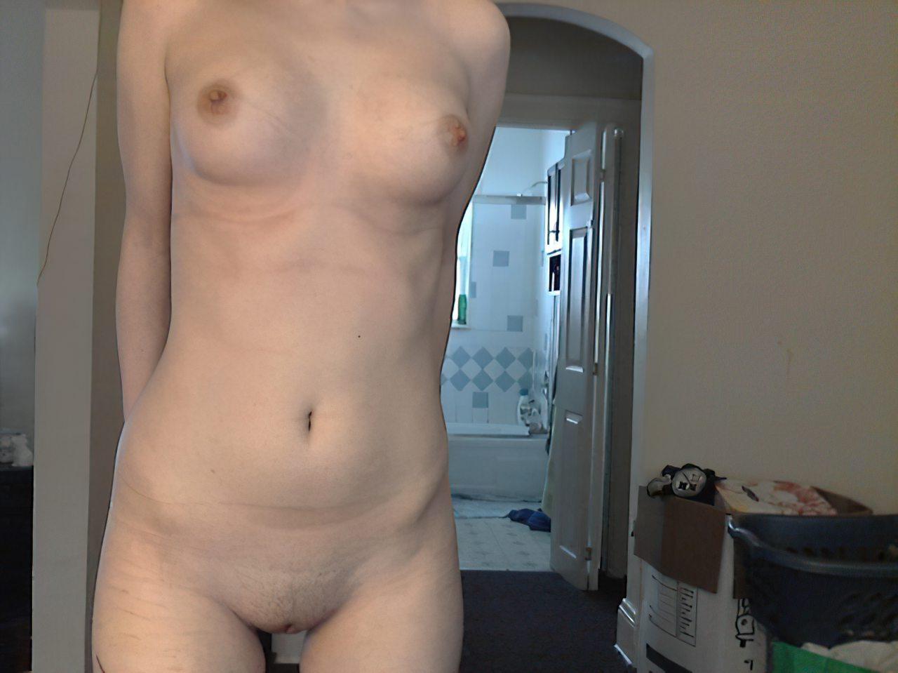 Novinha Pelada Webcam (39)