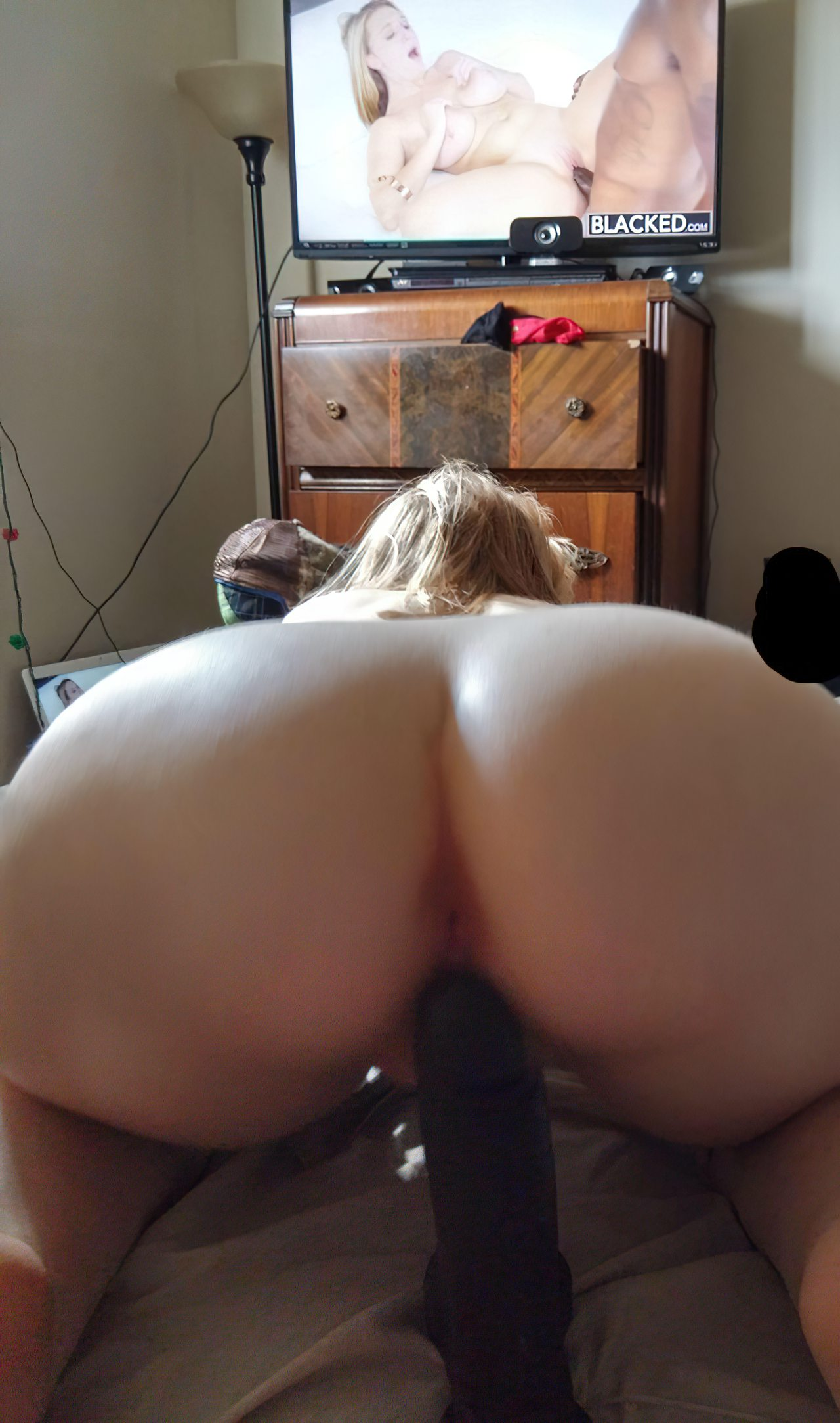 Masturbação de Mulher na Cama (8)
