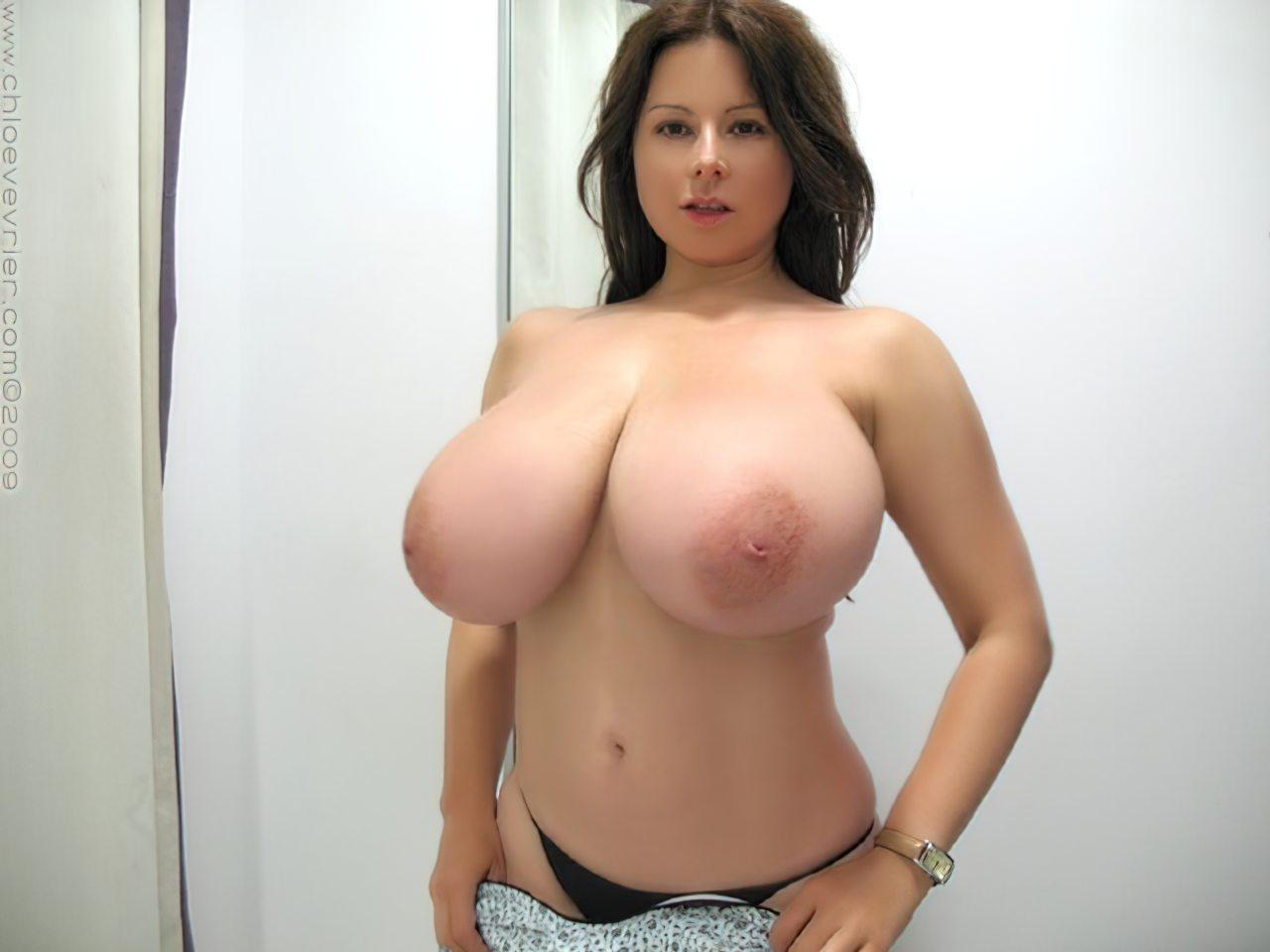 Chloe Vevrier Peitos Grandes (3)