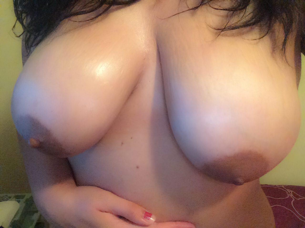 Amadora Exibindo Peitos (3)