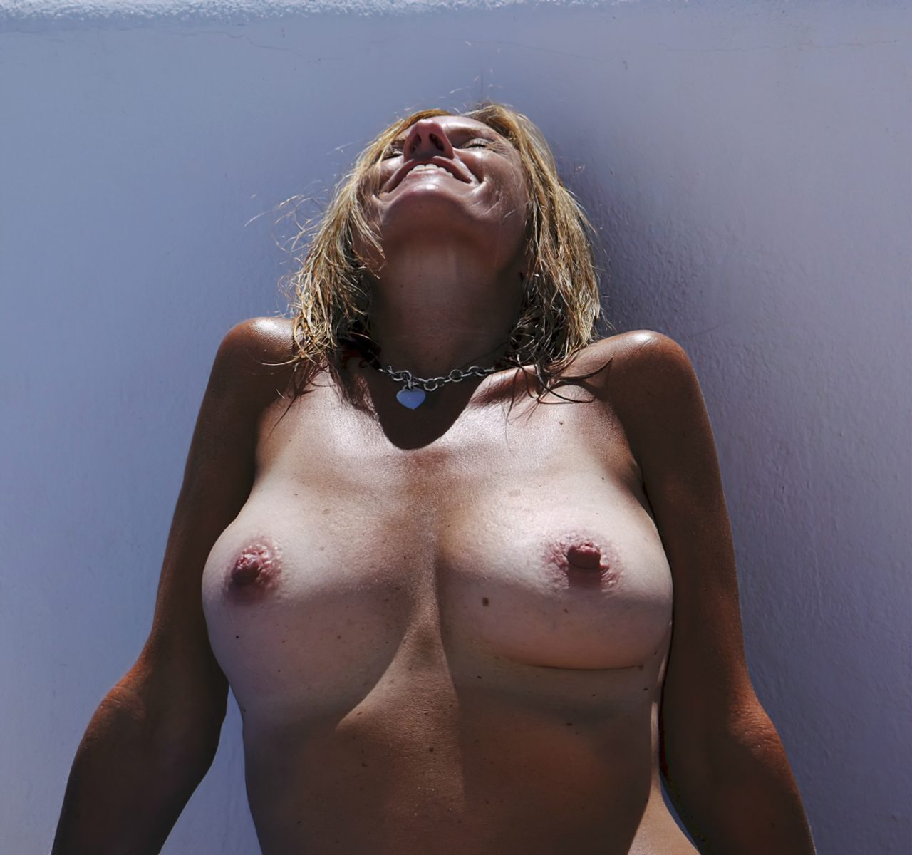Madura Topless Praia (4)