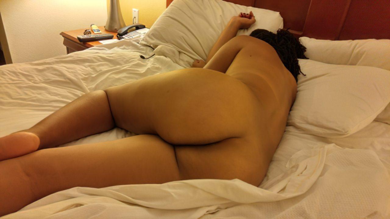 Namorada Sensual Pelada Cama (1)