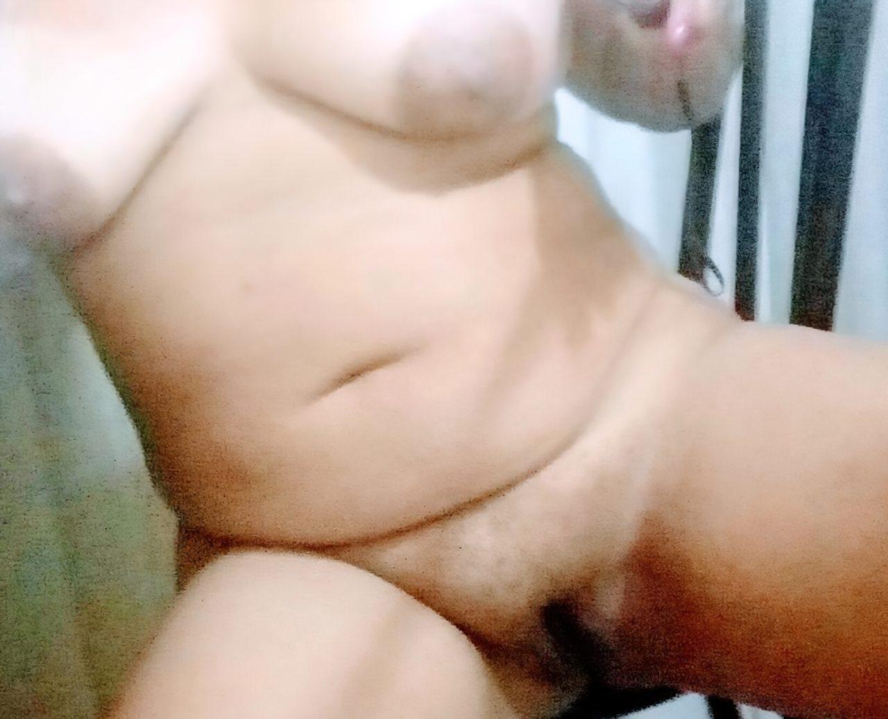 Gostosinha Nua (2)