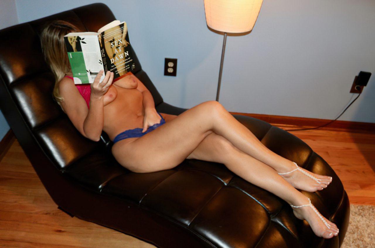Mulher madura amadora em cenas de sexo no