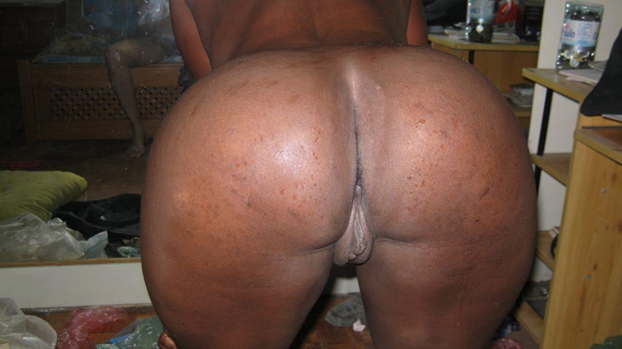 Esposa Negra Tesuda (3)