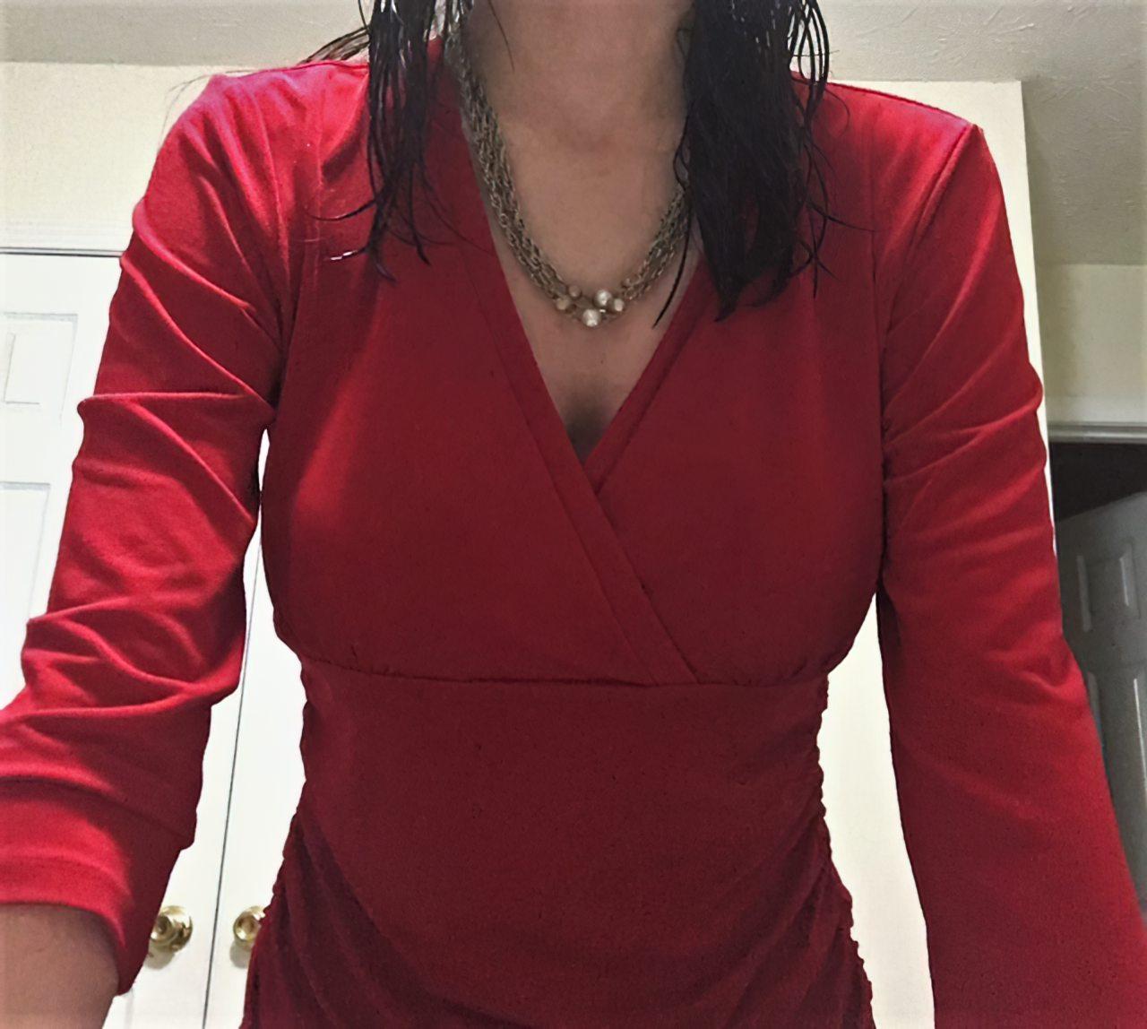 Amadora Vestindo-se Para Ir Trabalhar (11)