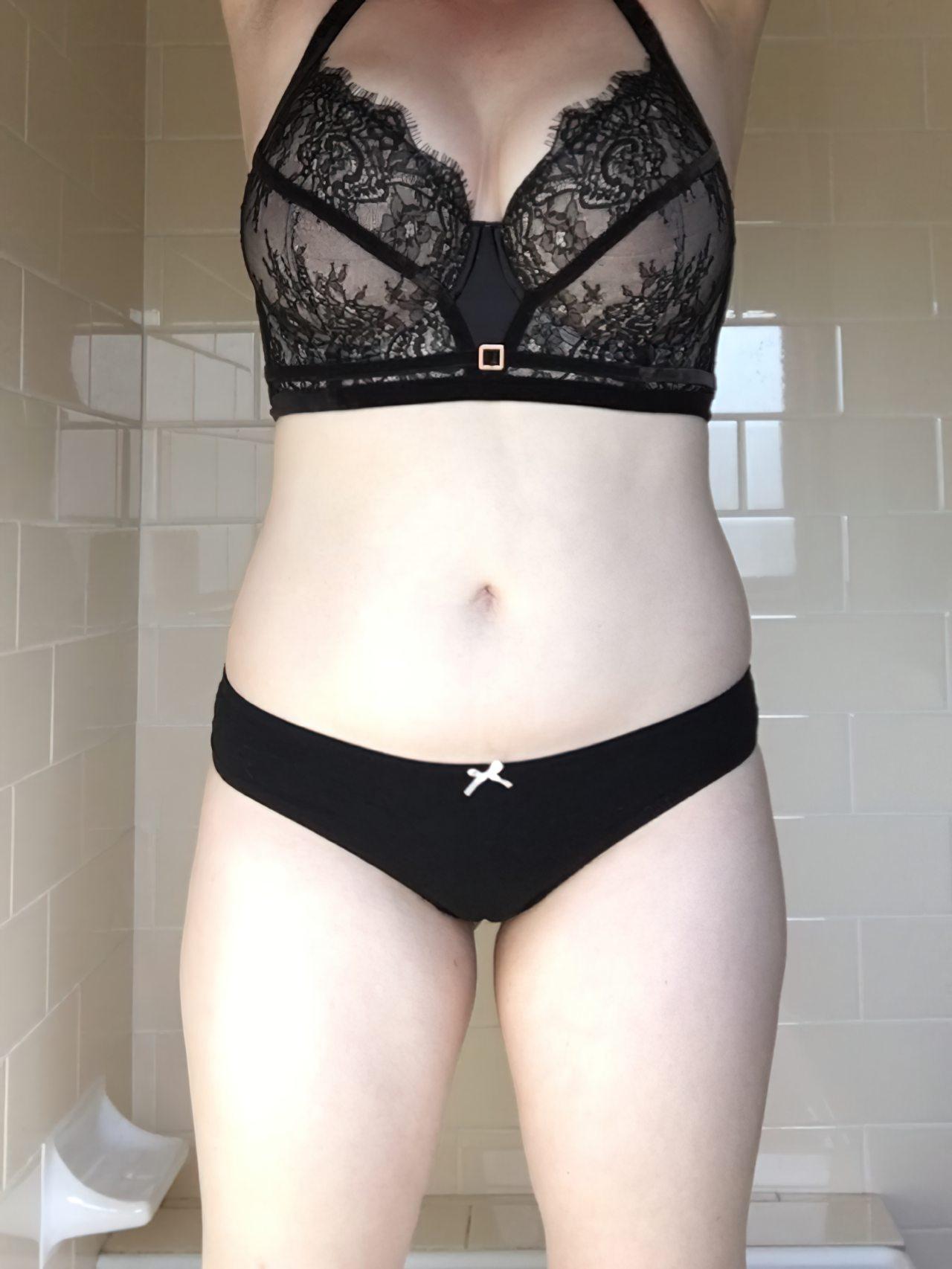 Amadora Sexy Experimentando Lingerie (2)