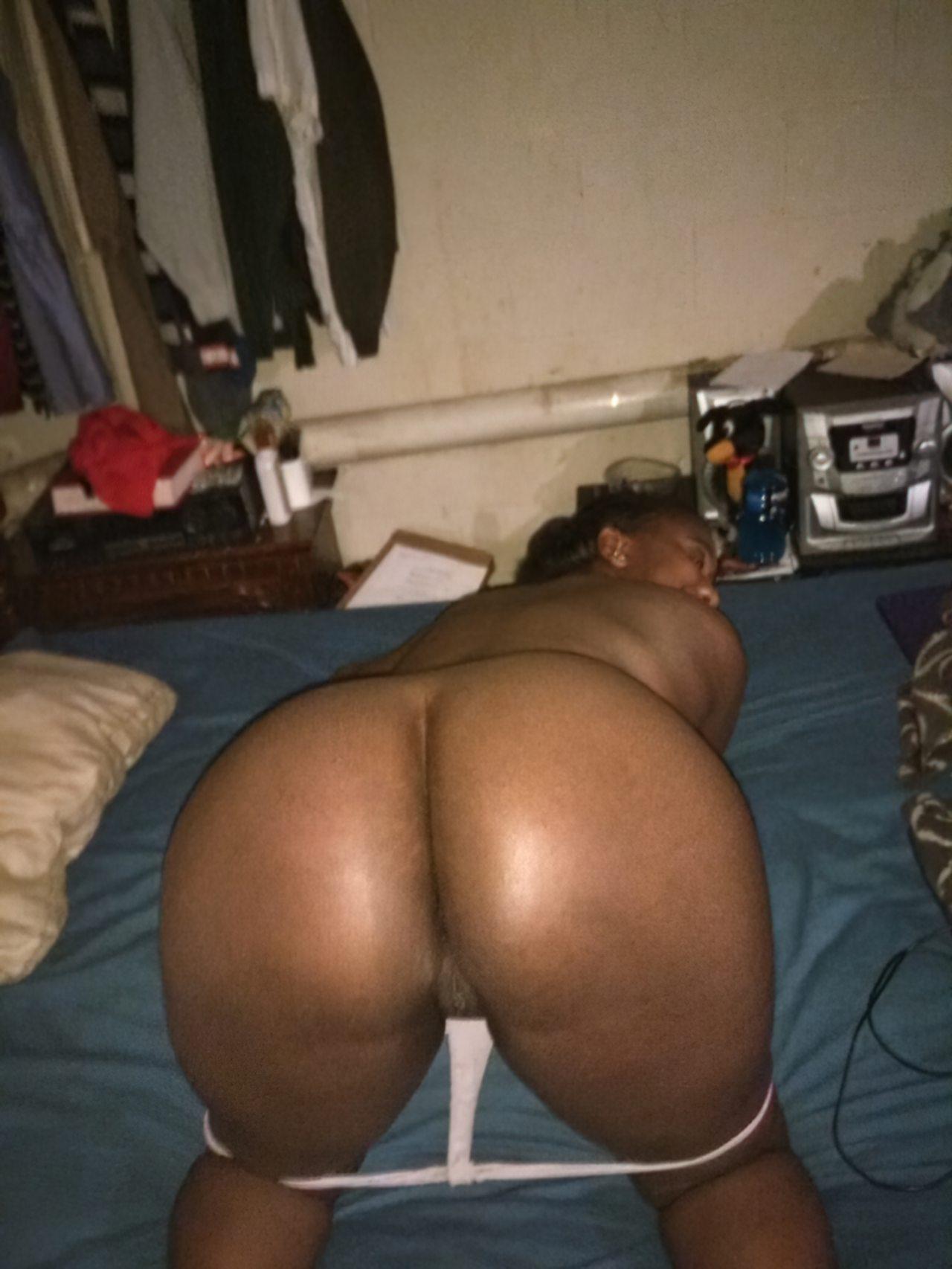Negra Amadora Mostrando Bumbum Sexy (8)