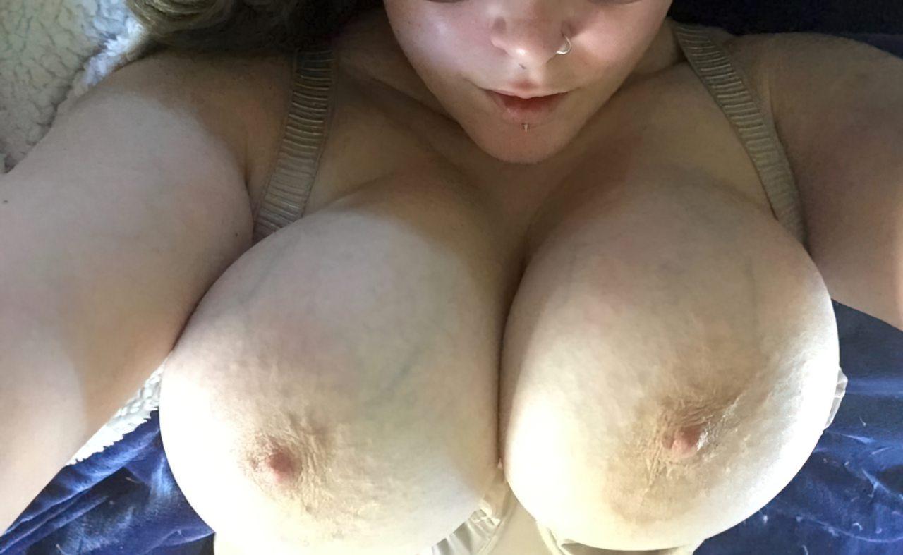 Nudes Gordinha Atrevida (1)
