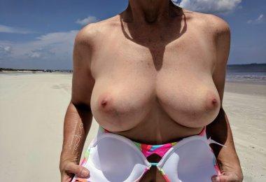 Topless na Praia (4)