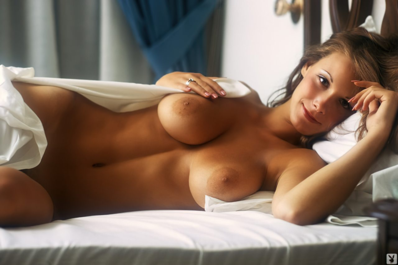 Topless (104)