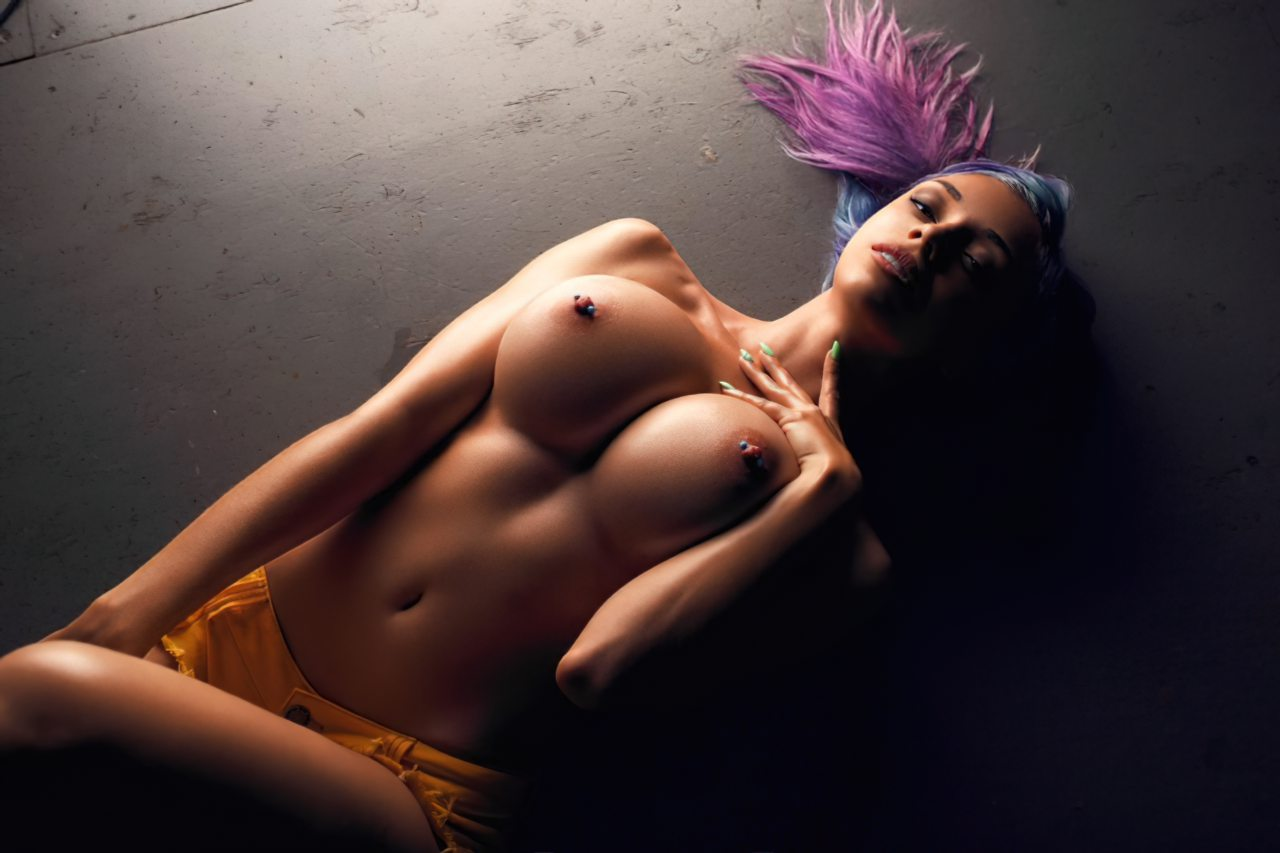 Topless (105)