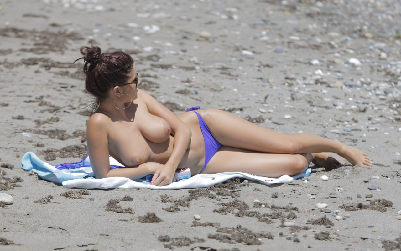 Topless (49)