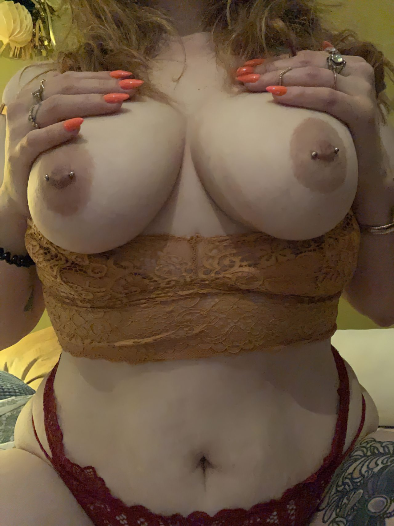 Topless (50)